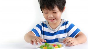 doces na infância como lidar