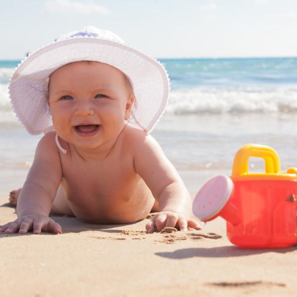 O que levar para a praia com bebê?