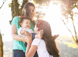 6 coisas que seu filho pensa sobre o irmão recém-nascido