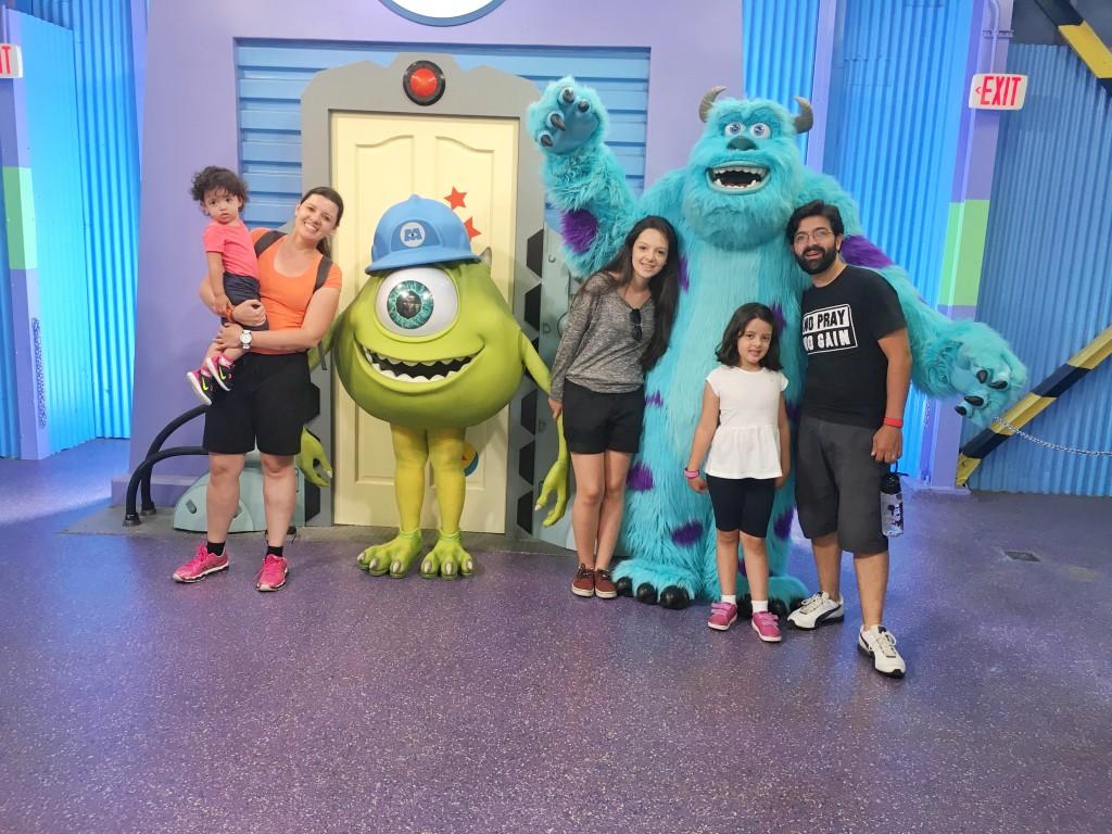 preparar as crianças para encontrarem os personagens na Disney