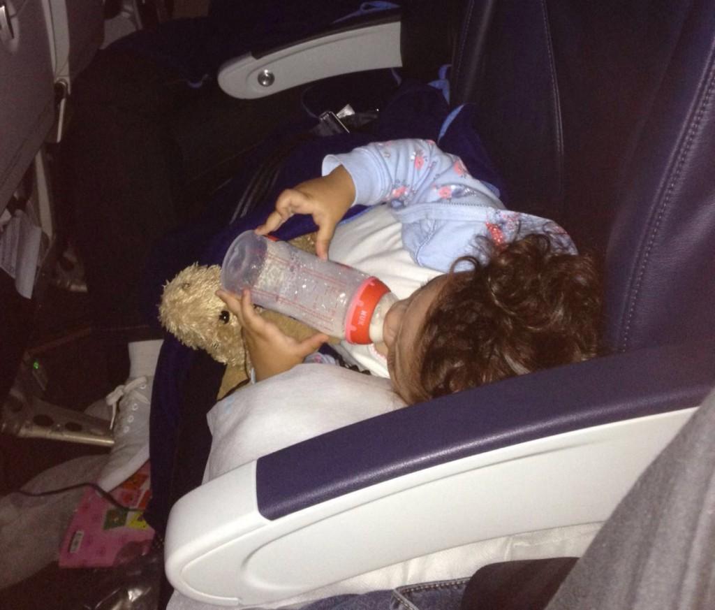 Dicas Disney com bebê e criança: a viagem de avião com bebê