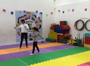 As meninas na Cross Kids: academia só para crianças
