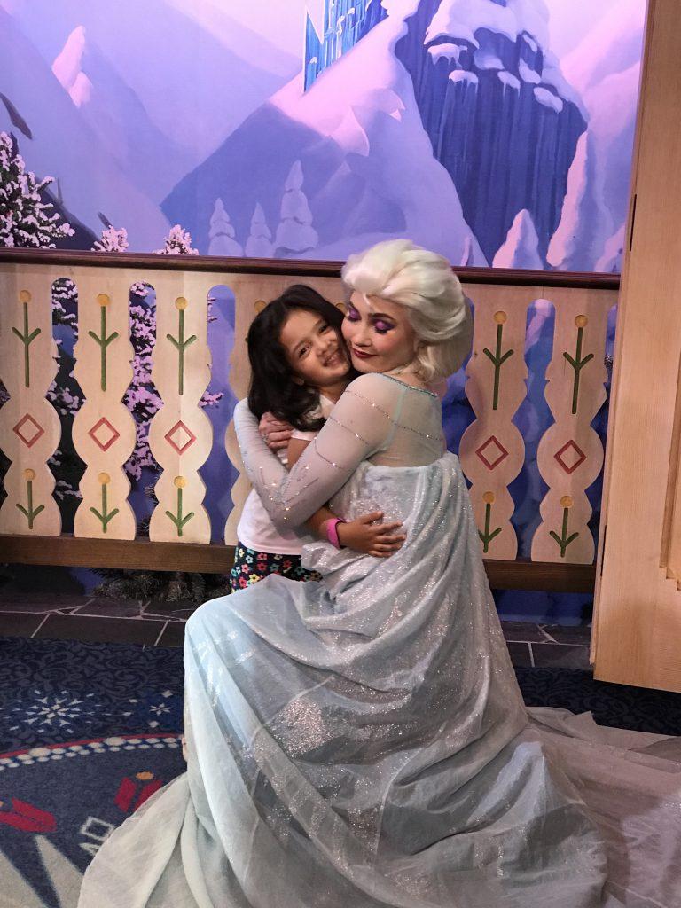 Dicas Disney com crianças Epcot foto elsa