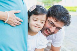 Chegada do irmãozinho: Ajudando o filho mais velho a lidar com o ciúme durante a gravidez
