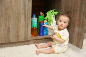 itens de segurança prevenir acidentes em casa bebê