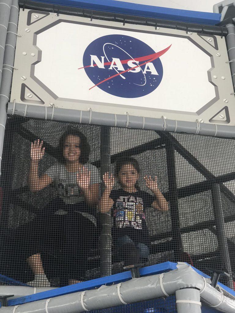 NASA COM CRIANÇAS