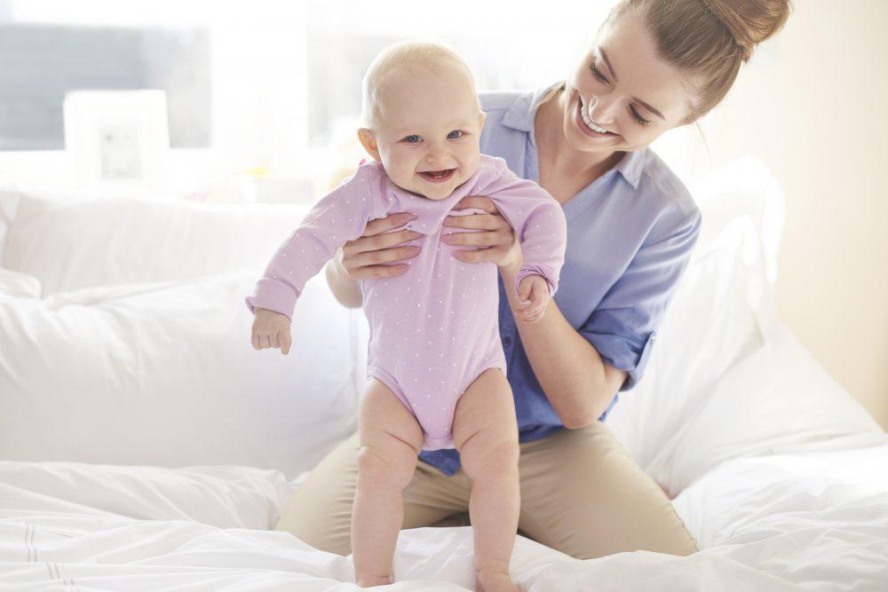 Bebê de três a seis meses: marcos de desenvolvimento