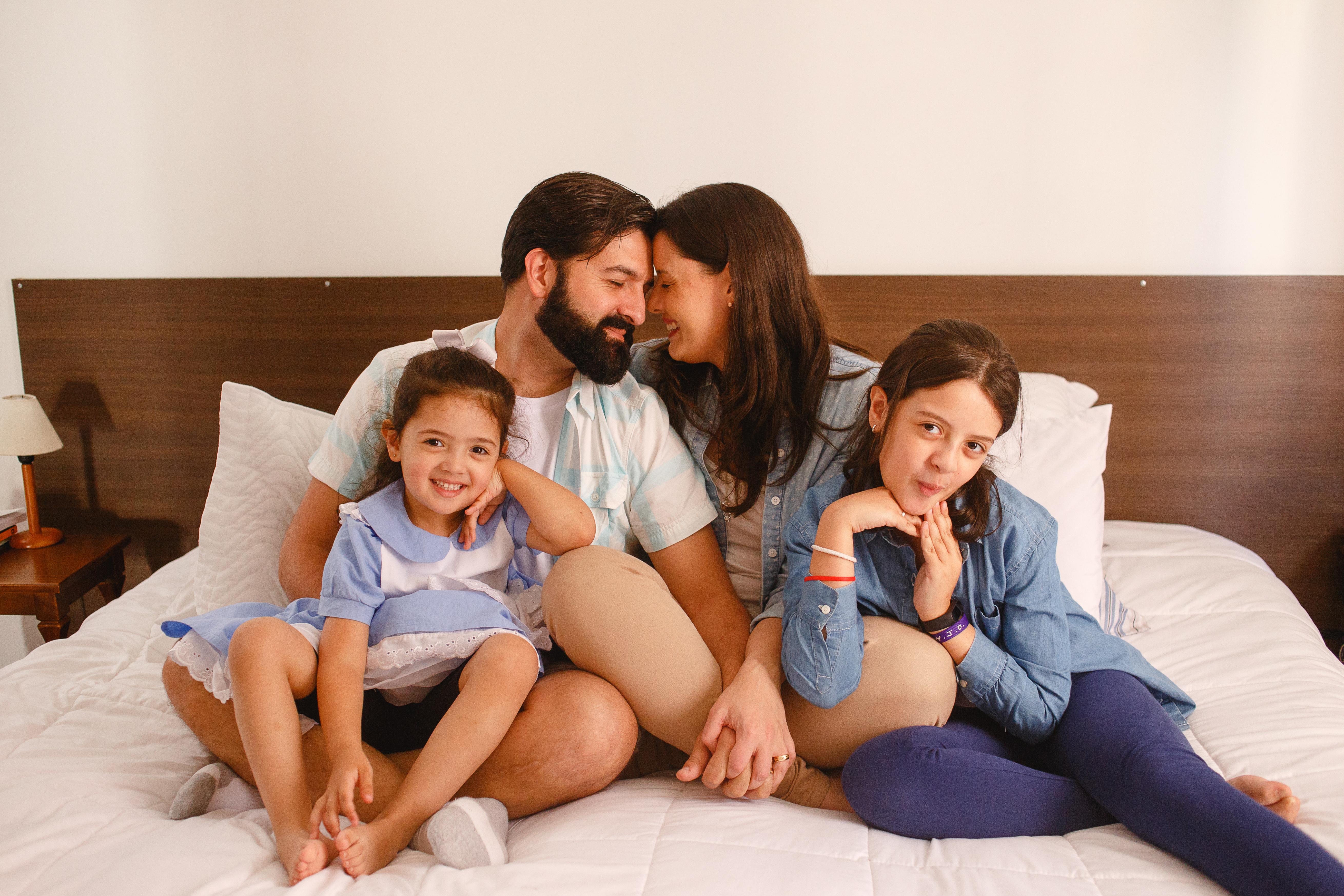 Foto de família em casa
