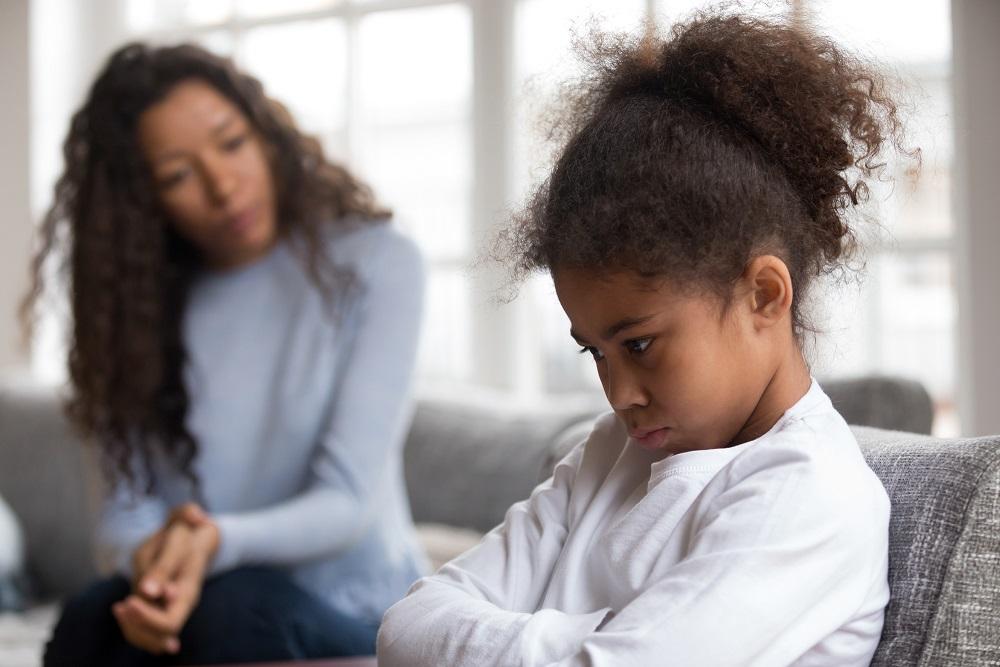 As crises das crianças e a resposta dos pais: combustível ou extintor?