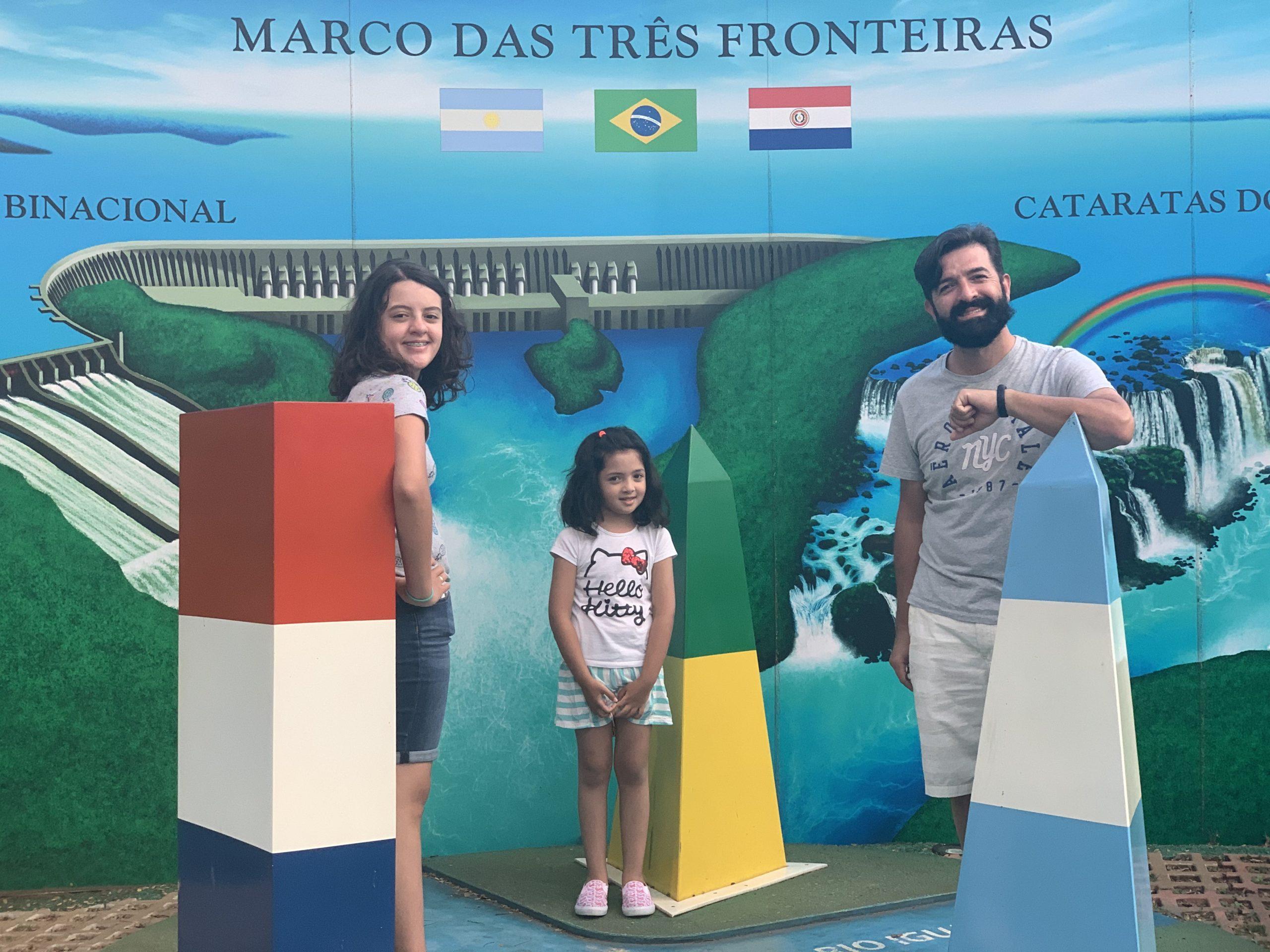 marco das três fronteiras com crianças
