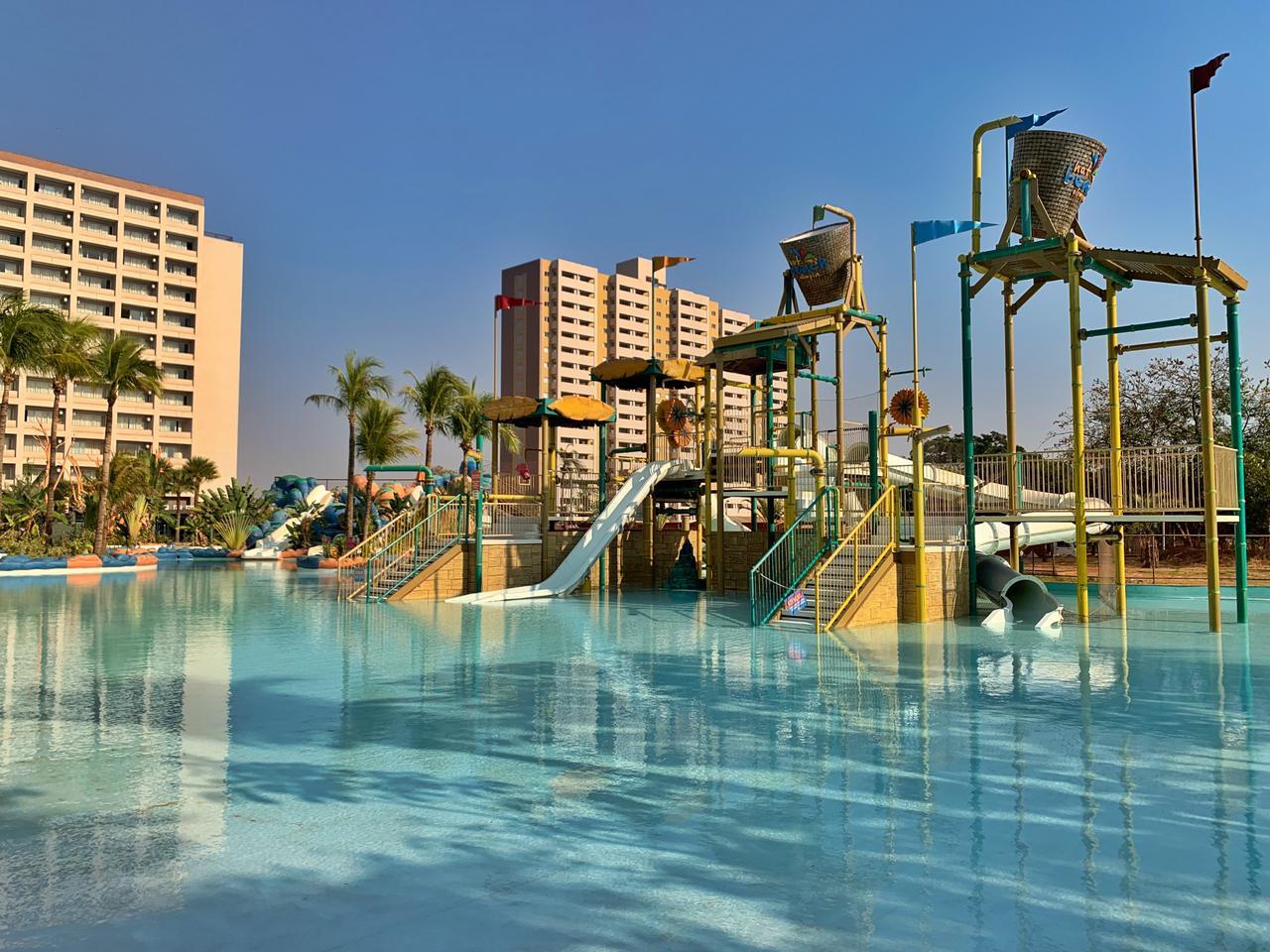 hot beach parque em olímpia